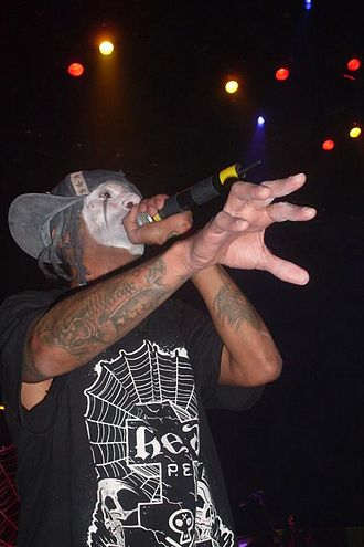 Jared Gomes - Jahred Gomes performing live with Hed PE.