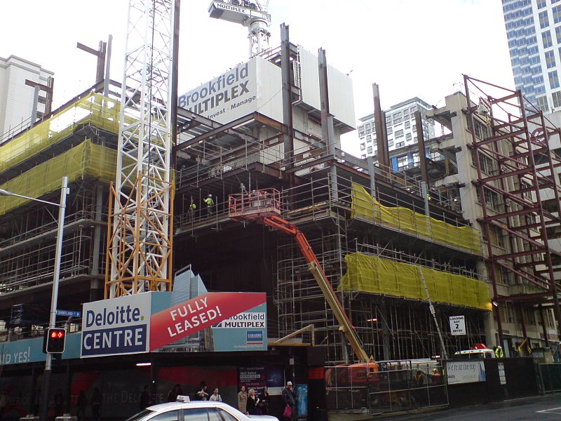 File:Jean Batten Building Facade Scaffolded In II.jpg