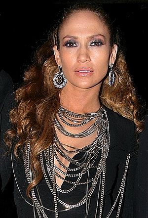 English: Jennifer Lopez in 2008. Português: Je...