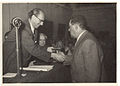 Joel Walbe receiving the Alkoni Prize in 1955 from the hands of the Mayor of Tel-Aviv, Chaim Levanon.jpg