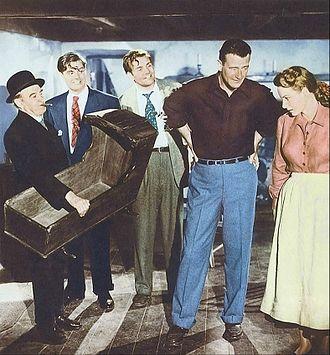 Charles B. Fitzsimons - Barry Fitzgerald, Fitzsimons, Sean McGlory, John Wayne and Maureen O'Hara in a scene from The Quiet Man