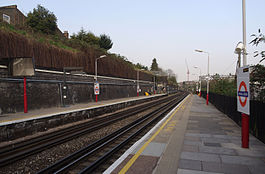 Kensal Green station MMB 01.jpg