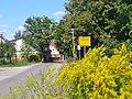 Kleinbeeren - Ortseingang (Entering Kleinbeeren) - geo.hlipp.de - 41174.jpg