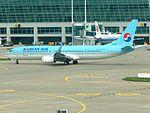 KoreanAir 737-900 HL8248 at ICN (28166075010).jpg
