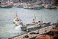 L' embarcadère d' Eminönü et ses vapur.jpg