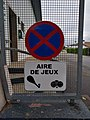 Labenne - Panneau interdiction stationner aire de jeux (juin 2018).jpg