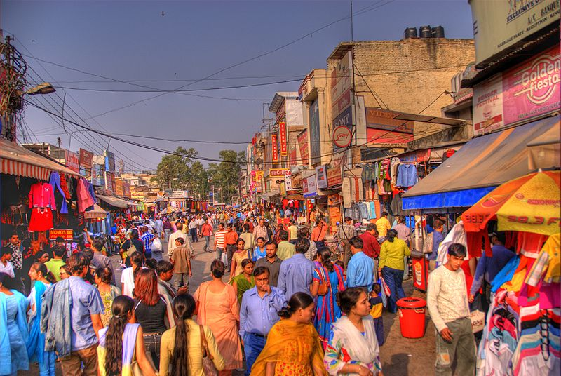 "A bustling marketplace in Delhi. November 2006. | Photo from ""Lajpat Nagar"" by Ville Miettinen, Wikimedia Commons is licensed under CC BY 2.0"