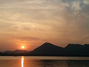 Fateh Sagar Lake - Sunset over the lake
