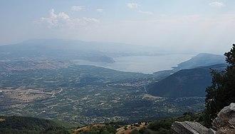 Lake Vegoritida - Image: Lake Vegoritida (Greek Λίμνη Βεγορίτιδα, Limni Vegoritida)