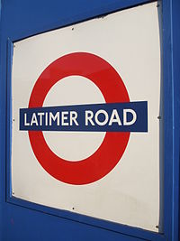 Latimer Road stn temporary roundel.JPG