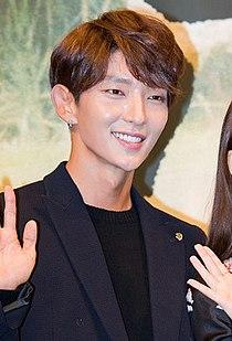 "Lee Jun-ki at ""Moon Lovers - Scarlet Heart Ryeo"" press conference, 24 August 2016 01.jpg"