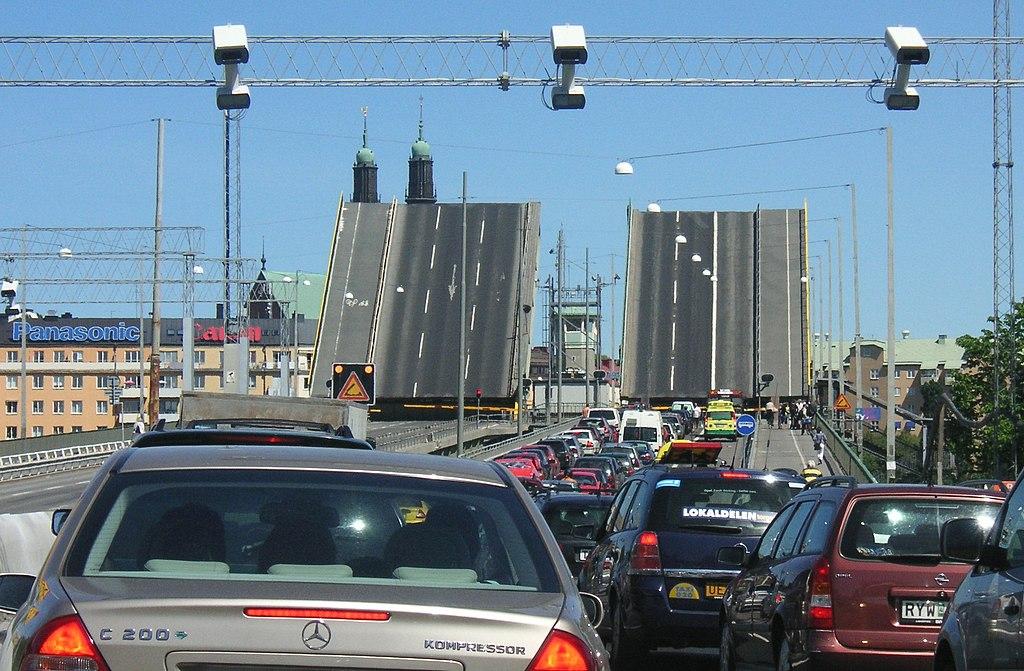 Liljeholmsbron 2006.JPG