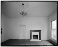 Living room, view to west wall and fireplace; view to west; 65mm lens with electronic flash illumination. - Warner Hutton House, 13495 Sousa Lane, Saratoga, Santa Clara County, HABS CAL,43-SARA,6-19.tif