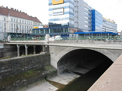 How to get to Lobkowitzbrücke with public transit - About the place