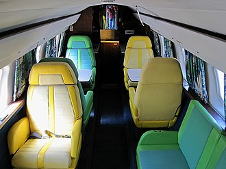 Lockheed JetStar - Elvis Presley's JetStar cabin, with sunk aisle