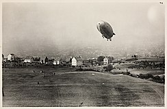 "Luftskipet ""Norge"" over Ekeberg, 14. april 1926 2.jpg"