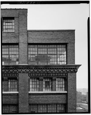 Jobbers Canyon Historic District - The M.E. Smith Building, designed by Fredrick S. Stott, built in 1920 and formerly located at 201 South 10th Street. It was demolished in 1989.