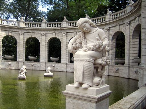 Maerchenbrunnen Berlin Friedrichshain Teilansicht