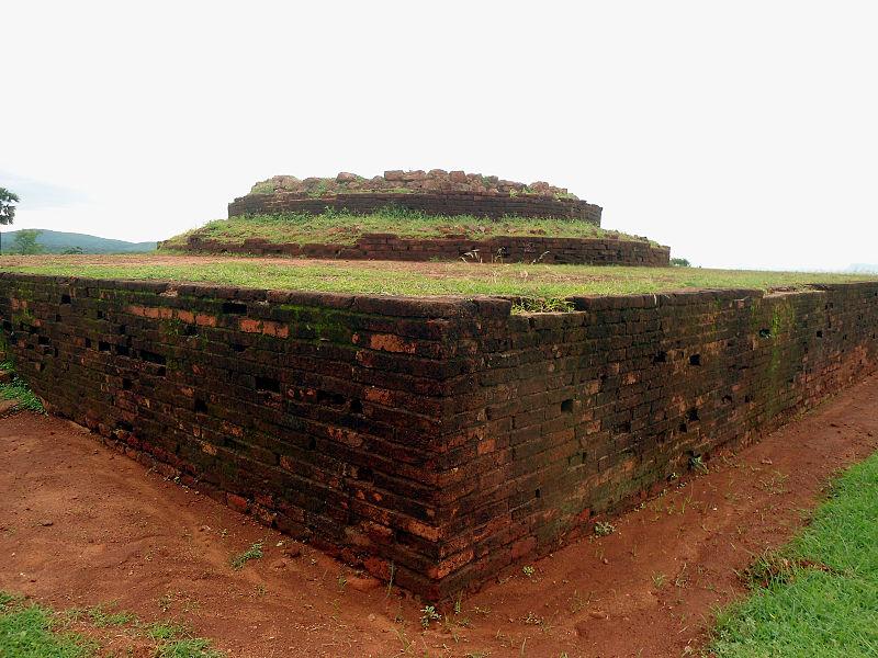 File:Maha Stupa at Thotlakonda Monastic Complex.jpg