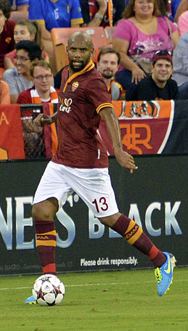 Maicon Sisenando Chelsea vs AS-Roma 10AUG2013.jpg