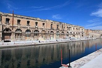 Malta Dockyard - Image: Malta Cospicua Fuq San l Inkurunazzjoni Dock no 1 11 ies