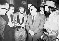 (right to left) Rebel leader Camilo Cienfuegos, Cuban President Manuel Urrutia, and Guevara. January 1959.