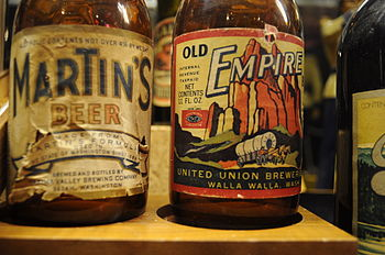 English: Labels, Martin's Beer, Yakima Valley ...