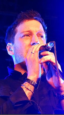 Matt Cardle, Belfast Apr 2014.jpg