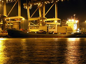 Melody by night loading and unloading in the Amazone harbour Port of Rotterdam 29-Jan-2006.jpg