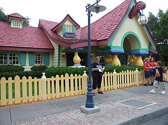 Mickey's House and Meet Mickey - Image: Mickey's Country House