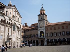 Modena Cathedral (left) and City Hall (right)