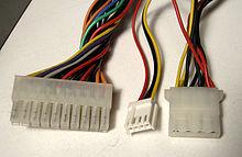 ...питания периферийного устройства 12 и 5 вольтами мини- (обычно, дисковод) и обычного размера (molex 8981) .