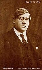 http://upload.wikimedia.org/wikipedia/commons/thumb/a/a1/Moln%C3%A1r_Ferenc_Uher.jpg/146px-Moln%C3%A1r_Ferenc_Uher.jpg