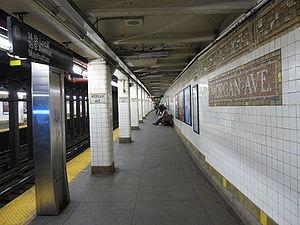 Morgan Avenue (BMT Canarsie Line) - Image: Morgan Avenue BMT 001