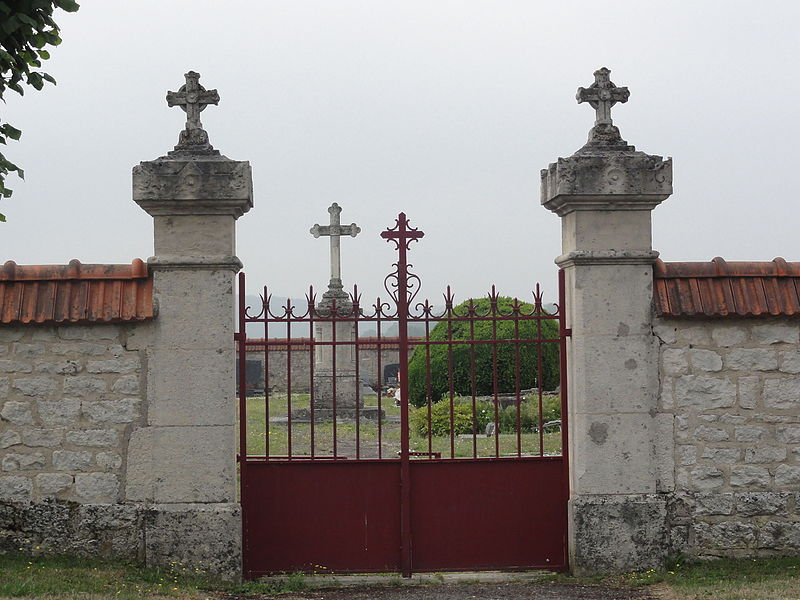 Moulainville (Meuse) portail cimetière