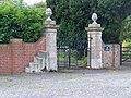 Mounting block, Urchfont - geograph.org.uk - 1430124.jpg