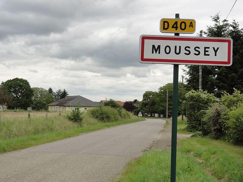 Moussey (Moselle) city limit sign