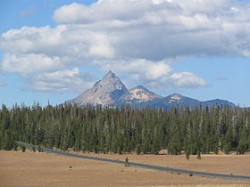 Mt Thielsen from Pumice Desert.jpg