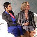 Muriel Bats (Mayra) en Leah Thys (Marianne) op de Thuisdag 2014.JPG