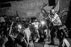 Ntelabi performing at Yoyo Tinz.jpg