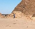 Nuri Pyramid Nu XVII King Baskakeren rc 400 BCE (ruins in the center).jpg