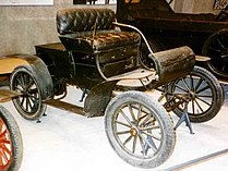 Oldsmobile Curved Dash Runabout 1902.jpg