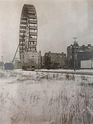Ferris Wheel - The Ferris Wheel in Lincoln Park, Chicago, looking north from Wrightwood Avenue