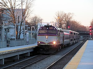 Outbound train at Talbot Ave.JPG