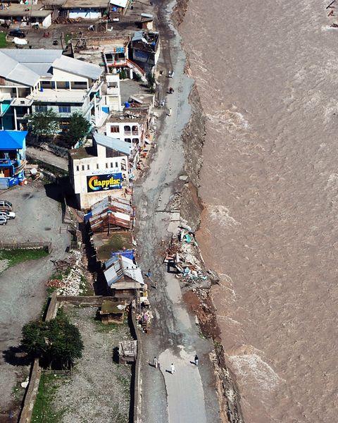 Pakistan flood damage 2010