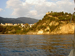 Greek citron - The seashore of Parga and its castle