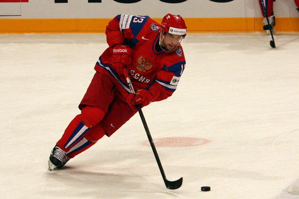 Павел Дацюк продолжит свою спортивную карьеру впитерском СКА