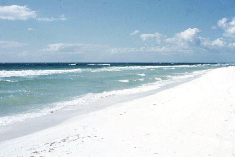 File:Pensacola Beach 1957 White Sand.jpg