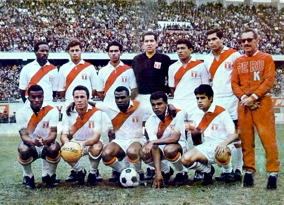 Peru national football team match against Mexico in Lima 1968 (retouched)
