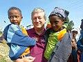 Peter Krasser mit Kindern.jpg